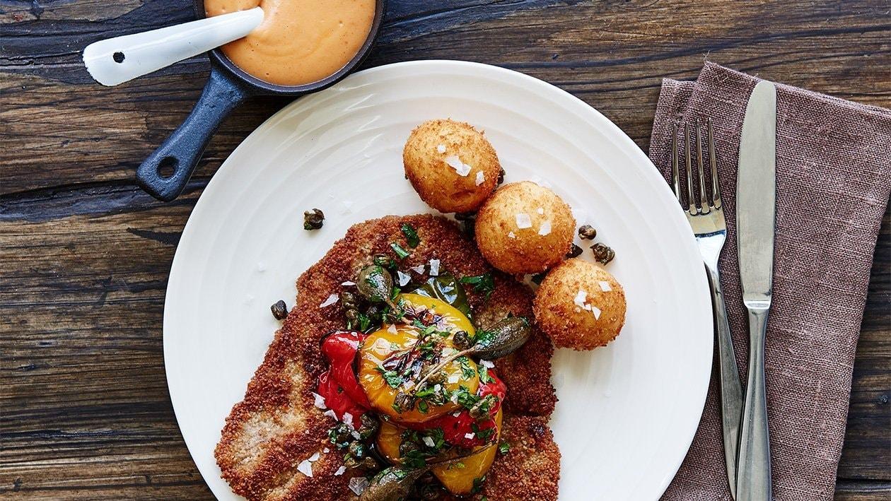 Schnitzel med paprikacreme og kartoffekûglen